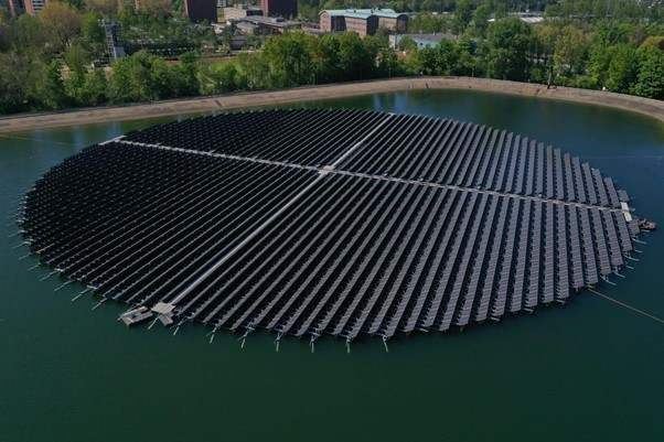 Floating Solar floating solar panels
