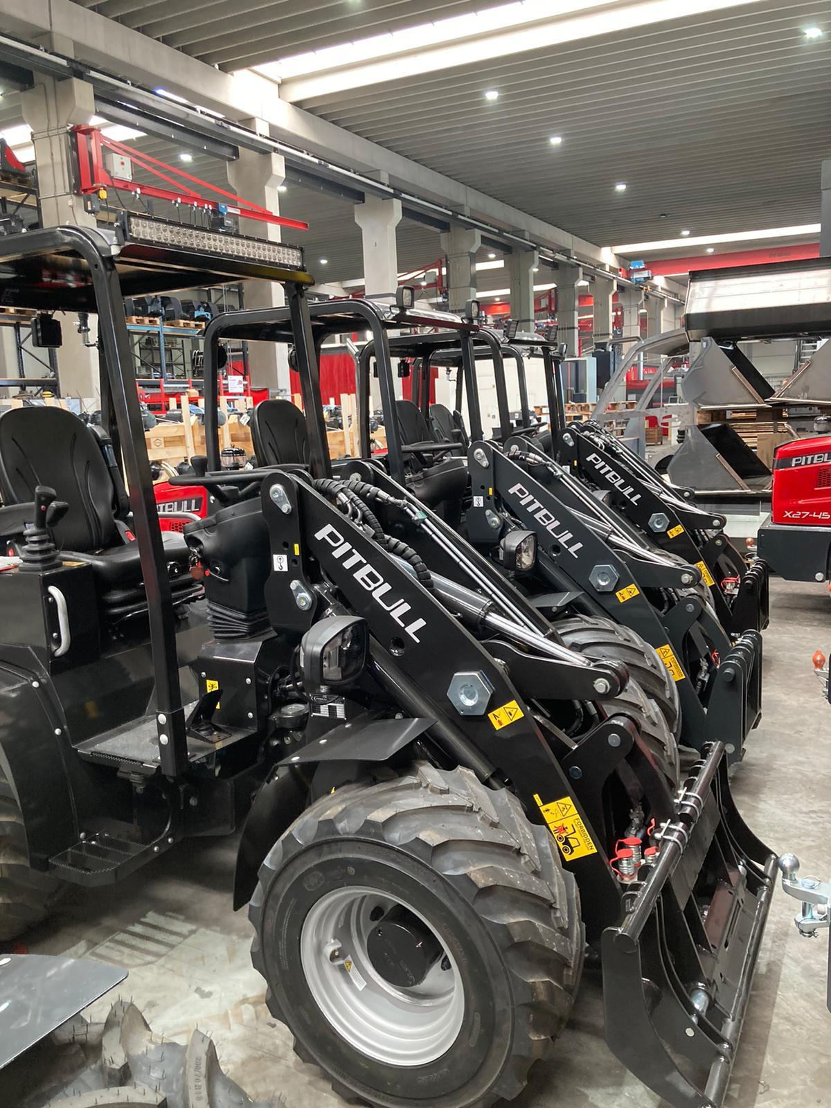 Pitbull compact loader